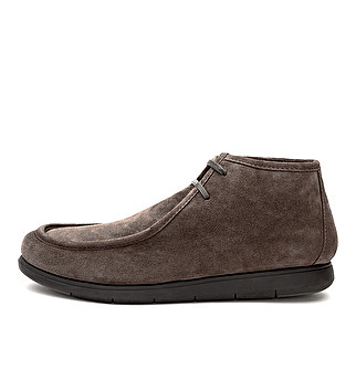 Suede chukka ankle boot
