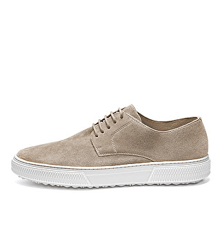 Sporty suede lace-ups