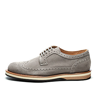 Suede derby w/ British wing-tip design