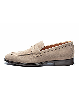 Elegant suede loafers