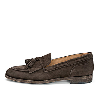 Washed suede loafer with fringe