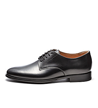 Elegant leather derby