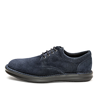 Suede comfort lace up