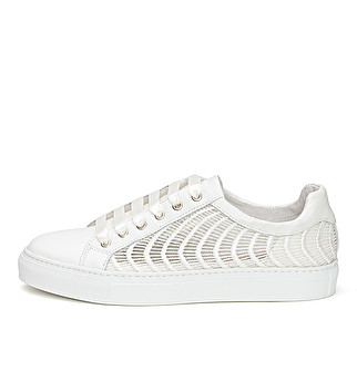 Leather and pearly fabric sneaker
