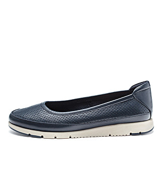 Extra flexible leather ballet flats