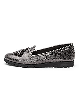 Laminated leather loafer with tassel