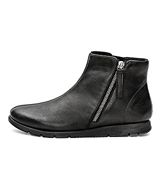 Comfort ankle boot with zip