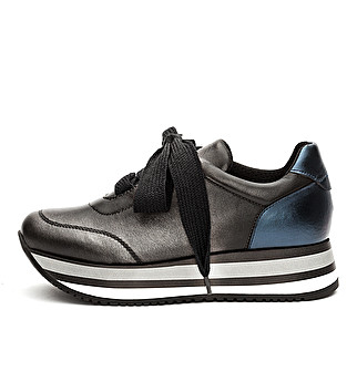 Bicolor laminated leather sneaker