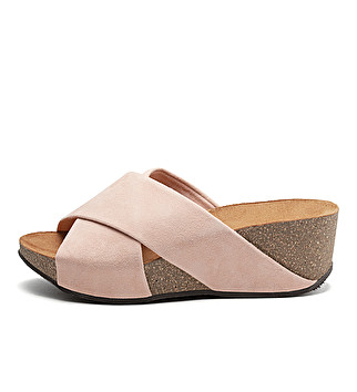 Double band suede wedge sliders