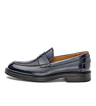 Elegant leather loafer