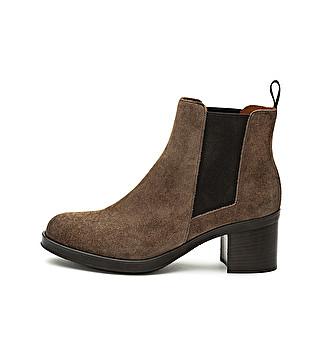 Suede beatles with heel
