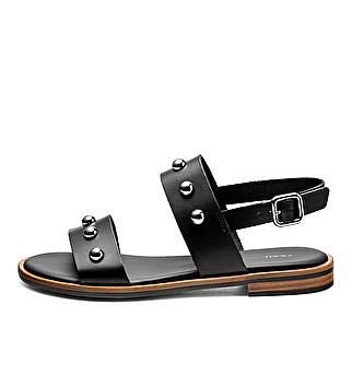 Leather sandals w/ metal studs