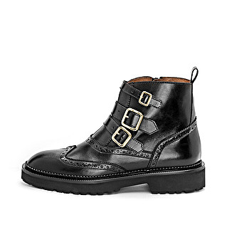 Anke boot with buckles