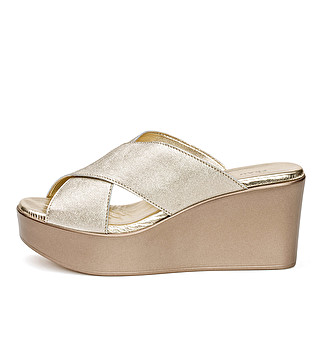 Laminated leather wedge mule with double band