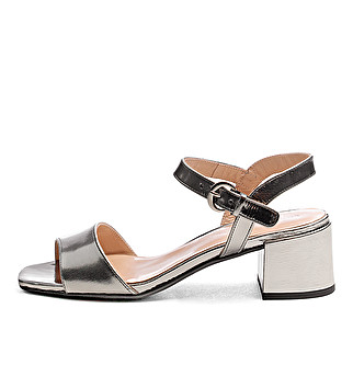 Laminated leather chic sandals