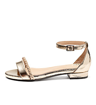 Super-chic laminated leather sandals