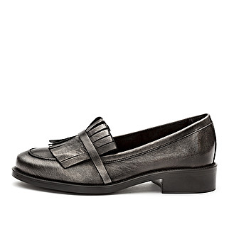 Laminated leather loafer with fringe