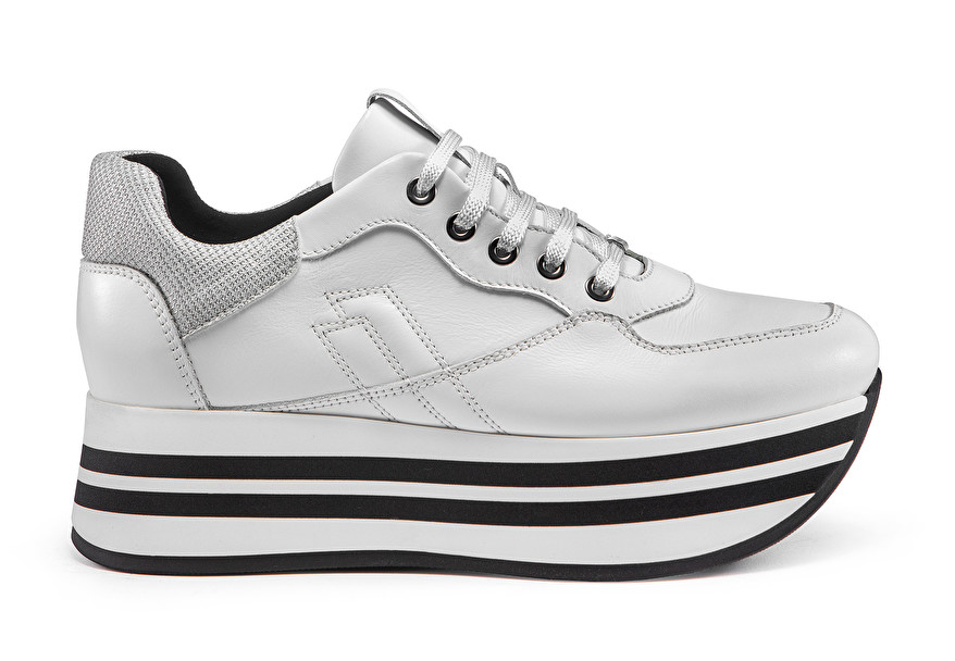 Platform sneakers with sparkly detailing